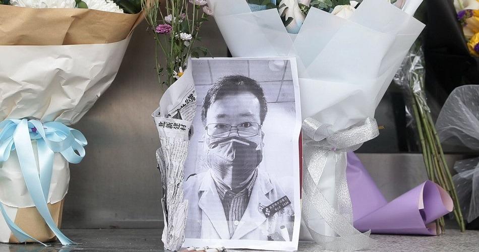 Dolor e ira en China tras la muerte de un médico que advirtió sobre el coronavirus