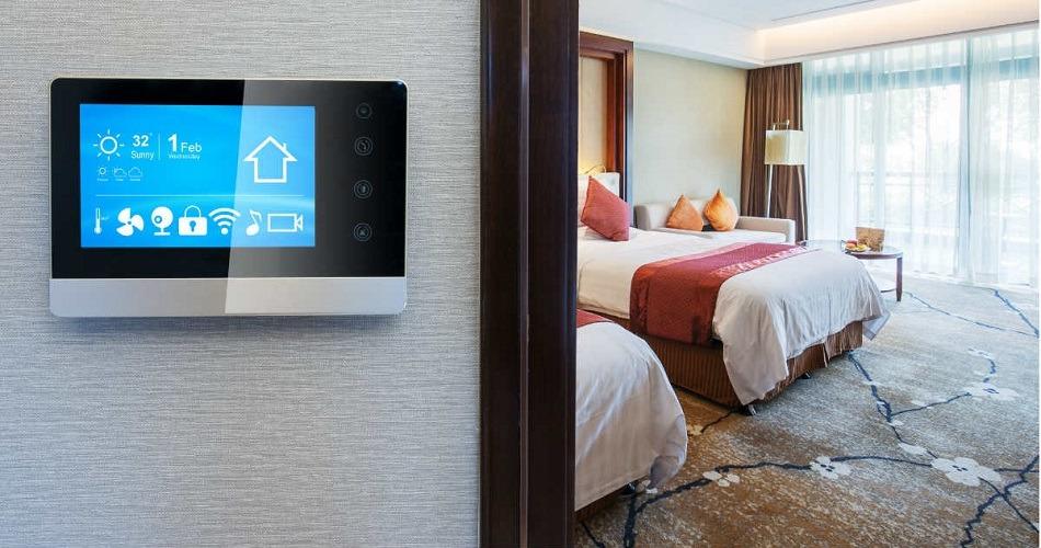 La industria hotelera utiliza cada vez más la inteligencia artificial para personalizar la experiencia de los turistas