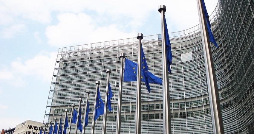 La UE apoya un fondo de recuperación pero sigue profundamente dividida