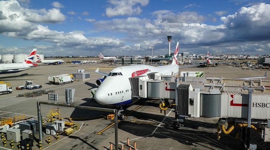El Reino Unido desaconseja los viajes no esenciales a España, incluidas las islas