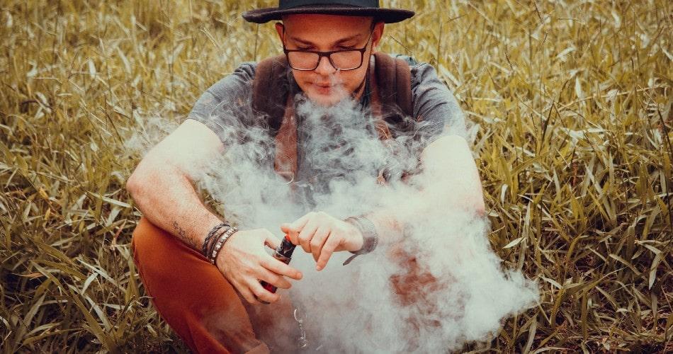 La moda de los vapers y sus beneficios frente al tabaco