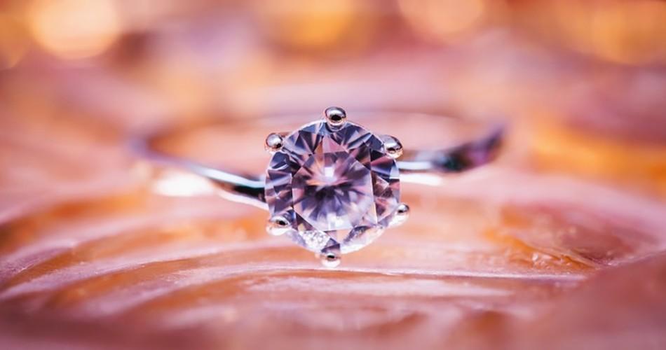 ¿Cómo encontrar el anillo de matrimonio perfecto?