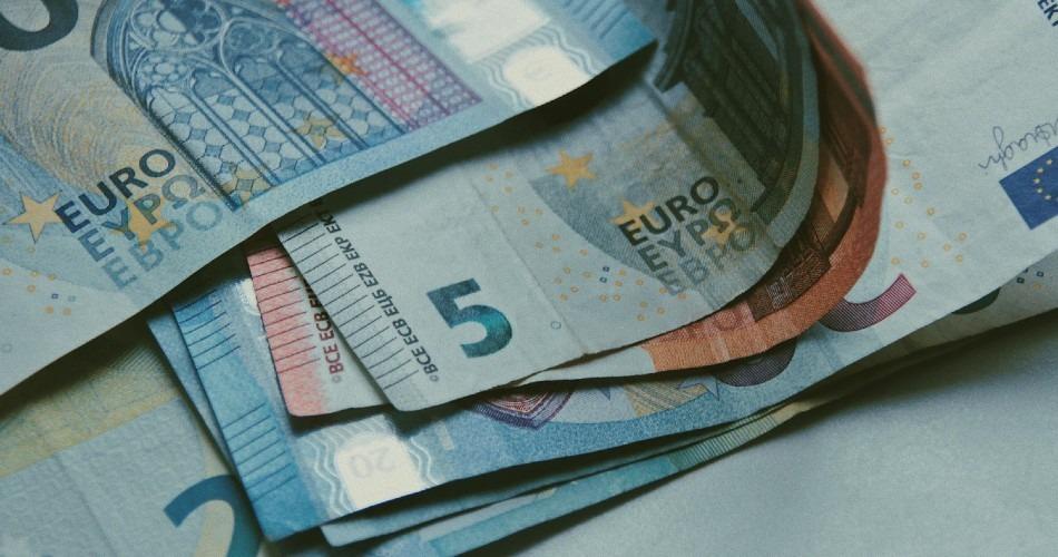 El Tesoro emite 8.000 millones de euros de un bono a 10 años en una colocación en la que la demanda alcanza los 74.000 millones