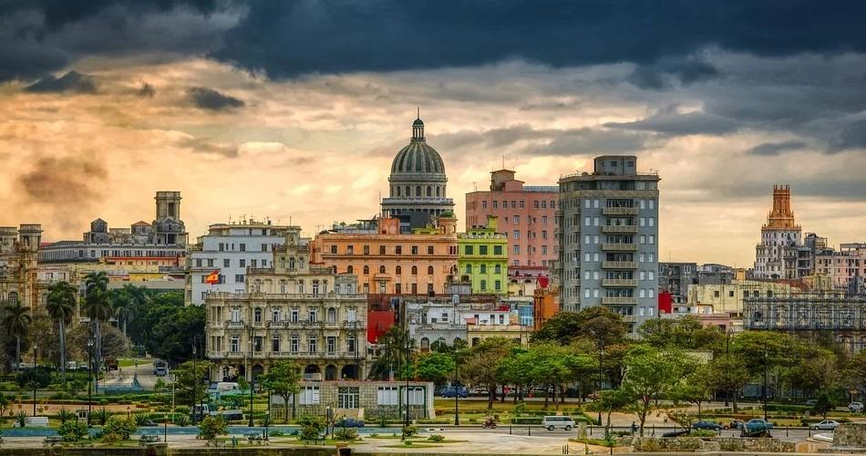 Cuba: Bachelet pide la liberación urgente de los manifestantes detenidos e insta al diálogo
